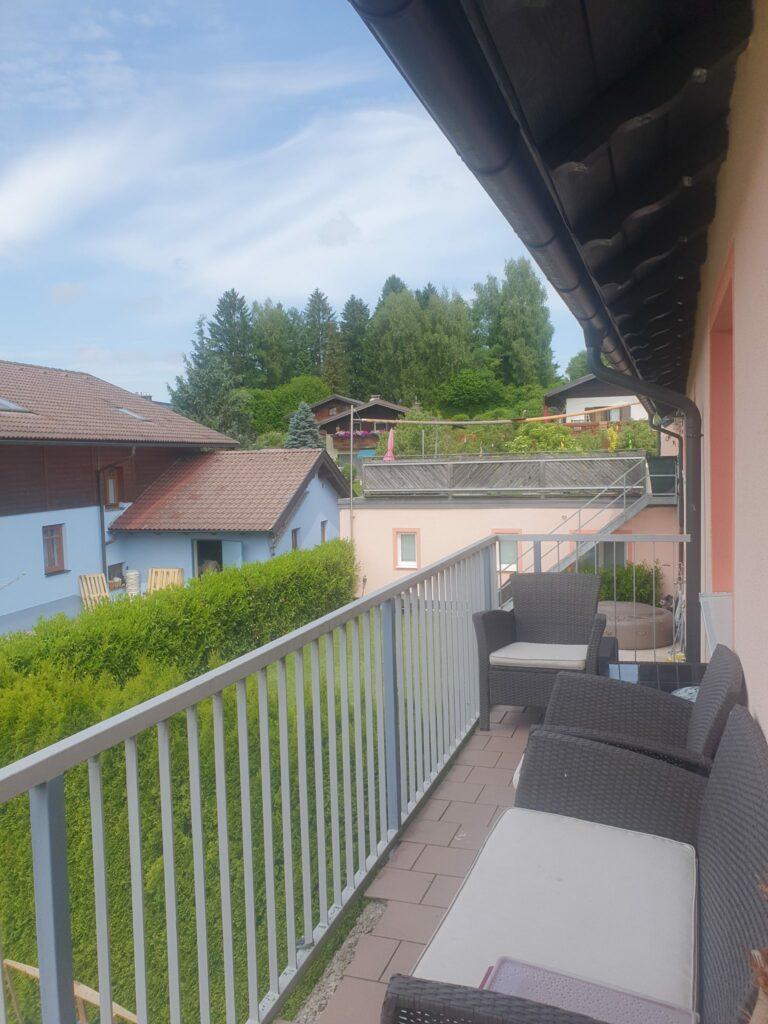 4 Zi.-Wohnung mit Balkon und eigenem Garten